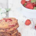 Vegane Erdbeer-Cookies mit feiner Orangen-Note