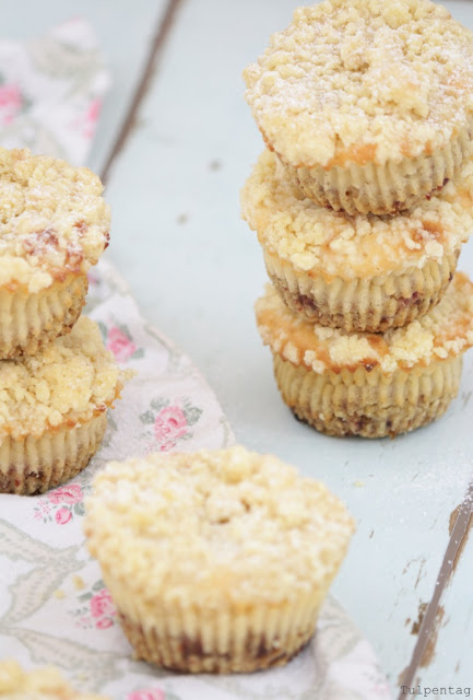 kaesekuchen streusel cheesecake muffins backen rezept