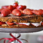 Erdbeertorte mit Schokoladensahne und Erdbeerquark