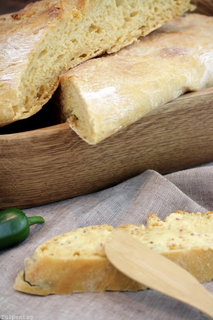Chili-Baguette-mit-Chili-Kraeuter-Butter3