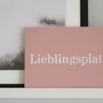 Wohnzimmer-Deko-Pastell-Muster-DIY-Kreidefarbe-Schild