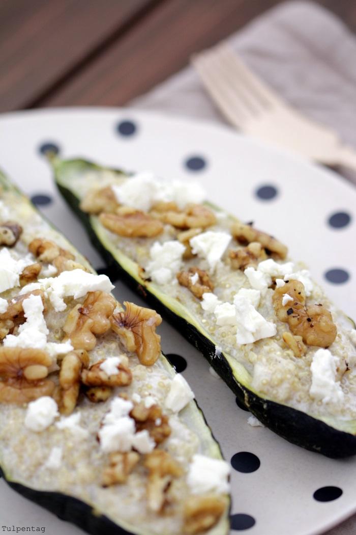 Gefüllte Zucchini mit Quinoa Walnüssen und Feta
