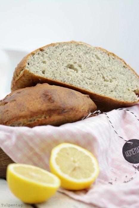 Mohn-Zitronen-Brot