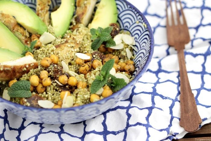Quinoasalat-mit-Kichererbsen-Huehnchen-und-Feigen