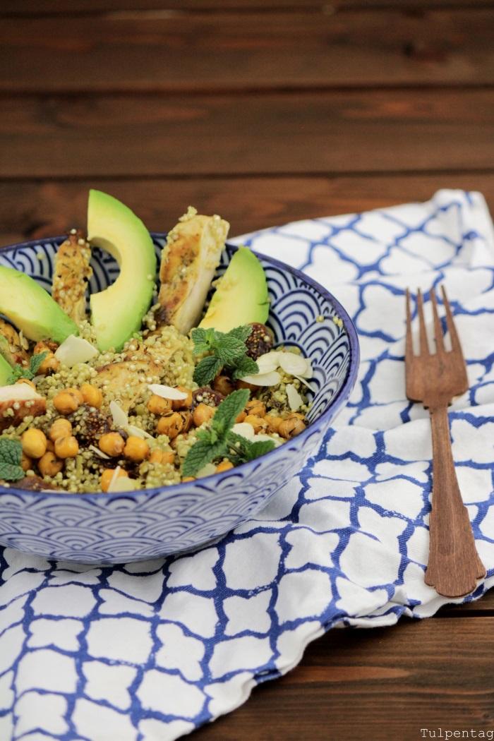 Quinoasalat-mit-Kichererbsen-Huehnchen-und-Feigen2