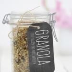 Granola mit Feigen und Blütenpollen