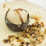 Mazzetti-Haselnuss-Eis-mit-Balsamico