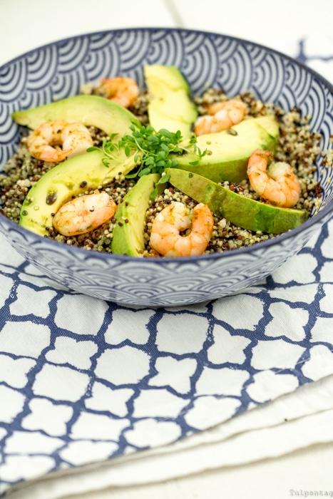 Bowl Rezept Quinoa Trend Schüssel Gericht Shrimps Avocado gesund