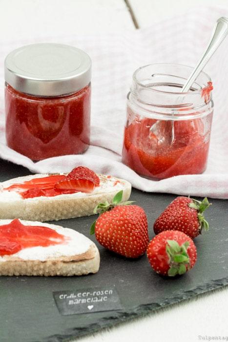 Erdbeermarmelade Erdbeeren Rosenwasser einmachen Rezept
