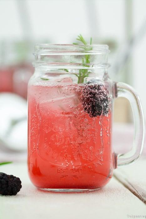 Limonade Sirup Brombeeren Getränk Rosmarin
