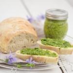 Radieschengrün-Pesto mit Sonnenblumenkernen-3