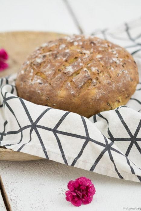 Brot backen ohne Brotbackautomat Möhren Leinsamen Karotten Rezept