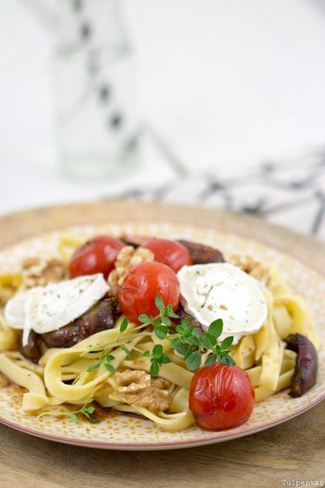 selbstgemachte pasta mit feigen und ziegenk se tulpentag foodblog. Black Bedroom Furniture Sets. Home Design Ideas