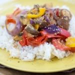 Vegetarisches Curry mit Jasminreis