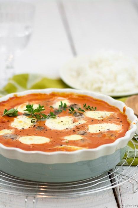 Frikadellen Klopse Hackfleisch Tomatensauce Soße Tomatensoße Mozzarella Kokosmilch
