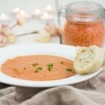 Rote-Linsen-Suppe mit Kokosmilch und Tomaten