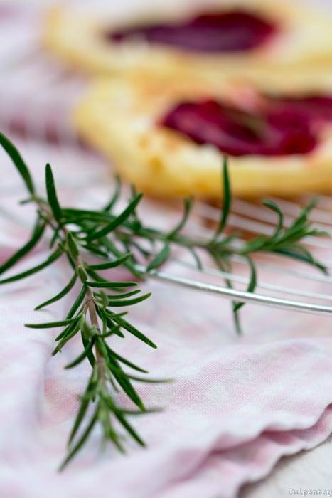 Rote Bete Blätterteig Ziegenkäse Gemüse vegetarisch Rezept schnell