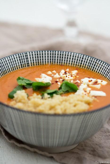 Suppe rote Linsen Tomaten Couscous vegetarisch Feta schnell einfach