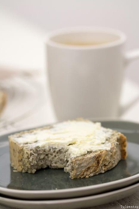 Chiabrot backen Brot schnell einfach Hefe Chiasamen