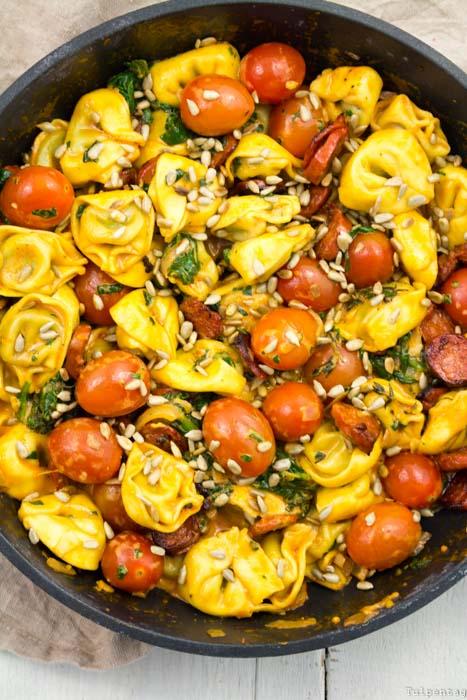 Tortellini schnell Pfanne Pfannengericht Chorizo Tortellini-Pfanne Spinat Tomaten
