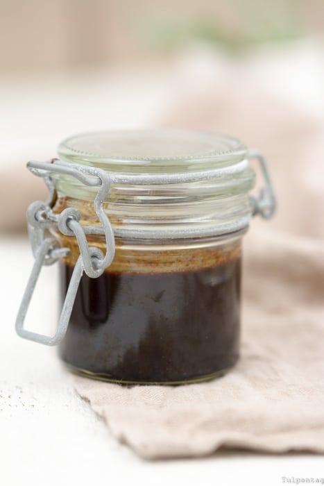Bärlauchpesto Walnüsse Baguette Ziegenkäse Schokoladen-Balsamico Sauce vegetarisch Rezept