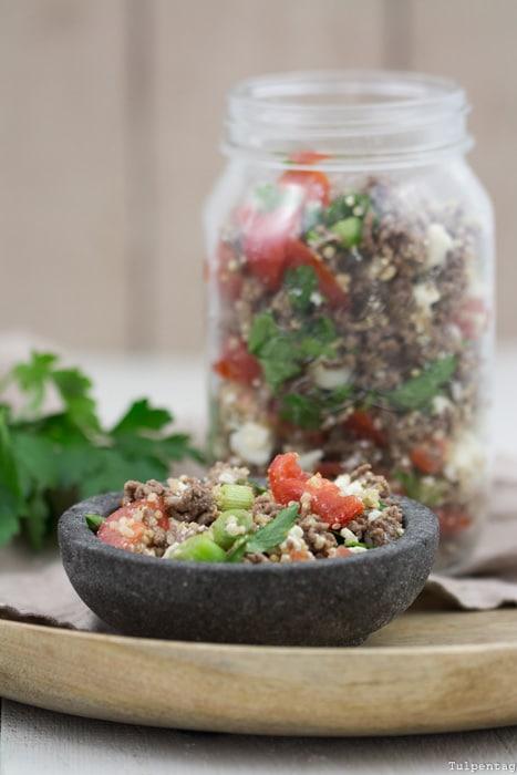 Hackfleisch Salat Quinoa Rezept Grillen schnell einfach Quinoa-Salat