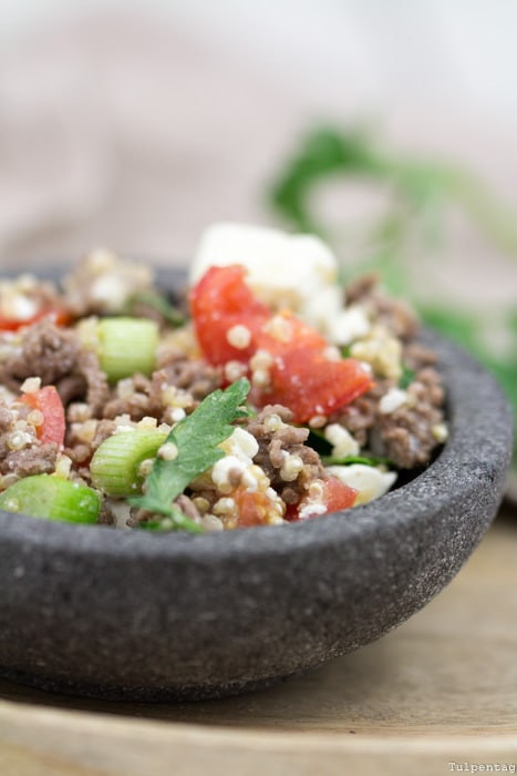 Hackfleisch Salat Quinoa Rezept Grillen schnell einfach