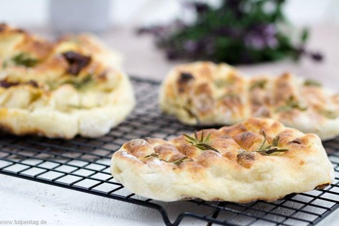Fladenbrot vom Grill Brot Rezept schnell einfach