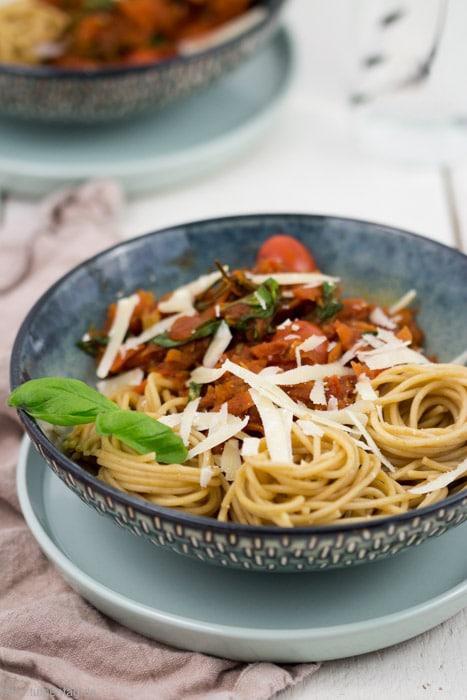 Vegetarische Bolognese mit Möhren
