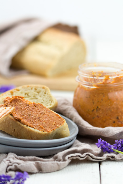 Aufstrich-Rezept: Tomate-Feta #rezept #frühstück #brunch #tomate #feta #schnell #vegetarisch