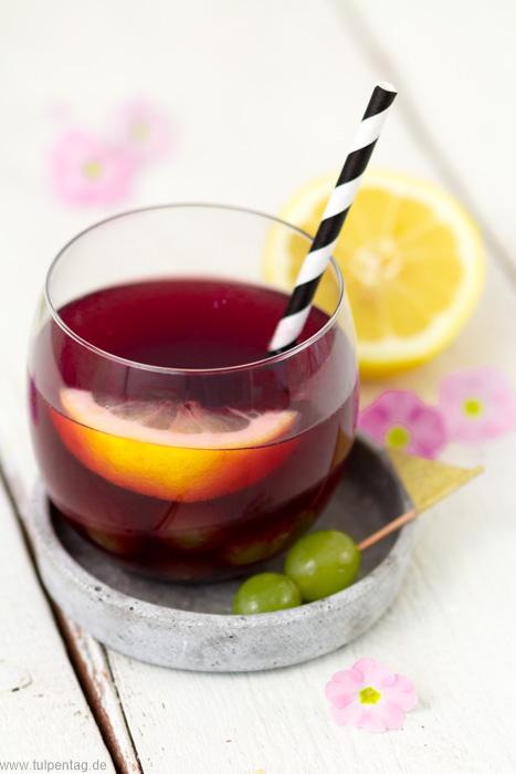 Bowle-Rezept mit Apfelsaft und Traubensaft. Ideales Getränk für den Sommer.