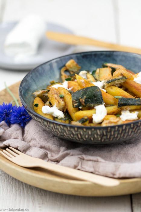 Schupfnudeln mit Zucchini und Ziegen-Frischkäse