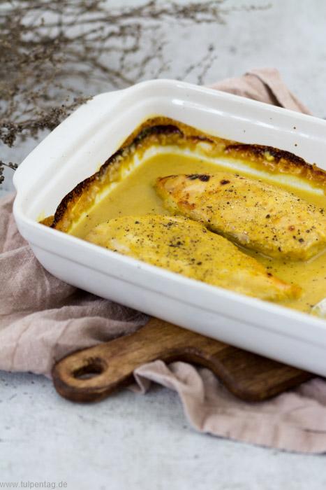 Hähnchen aus dem Ofen mit Orangen-Senf-Sauce und Kartoffelwedges