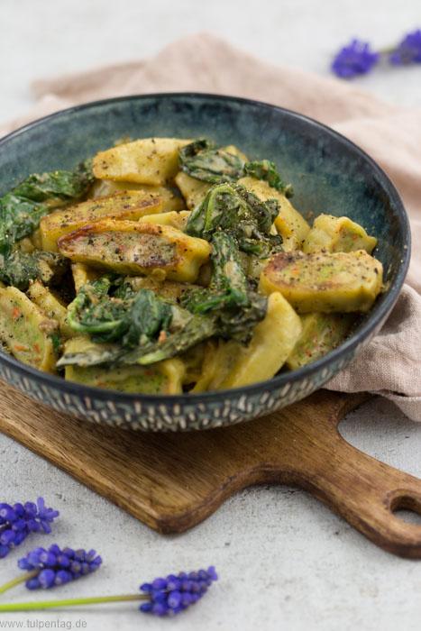 Gebratene Maultaschen mit Spinat und Sahne - Tulpentag. Foodblog.