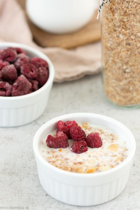 Müsli oder Granola selbermachen. Mit Mandeln und Kokos. #rezept #einfach #schnell #frühstück #geschenk #müsli #granola #selbermachen