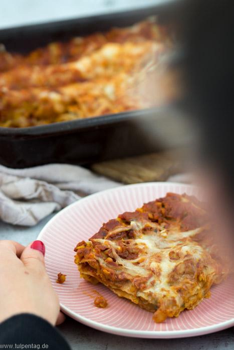 Vegetarische Rote-Linsen-Lasagne. Lasagne mit roten Linsen. #rezept #vegetarisch #ofengericht #einfach #lasagne