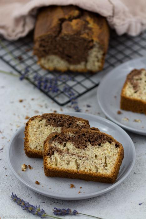 Bananenbrot mit Kakao und Mohn - Marmorkuchen - Tulpentag. Foodblog.