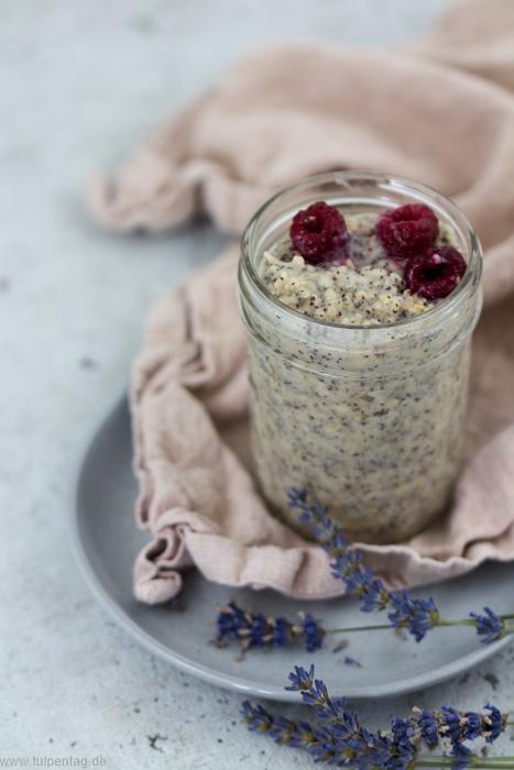 Porridge mit Mohn. Schnelles Rezept mit Haferflocken zum Frühstück #idee #frühstück #haferflocken #porridge #mohn #schnell #gesund #vegan