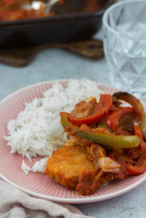 Veganes Paprikaschnitzel mit Reis - Tulpentag. Schnelle Rezepte.