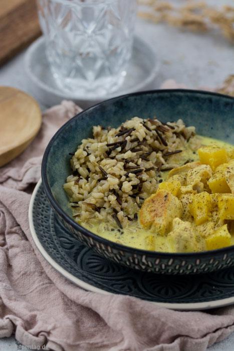 Hähnchen mit Kokosmilch und Ananas. Dazu Naturreis. #gesund #hähnchen #kokosmilch #chicken #fruchtig #reis #rezept