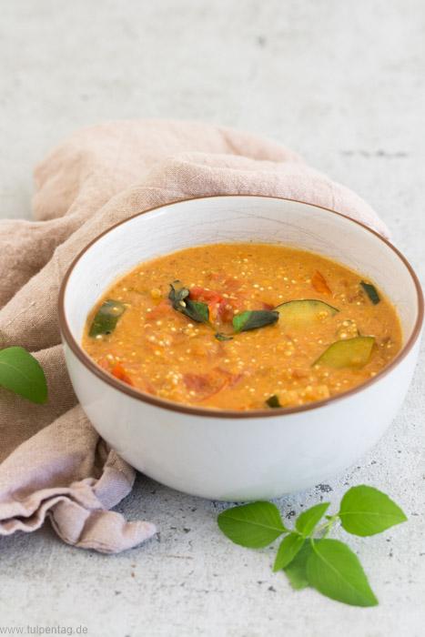 Quinoa mit Gemüse in Kokosmilch #vegan #vegetarisch #quinoa #kokosmilch #rezept #einfach #schnell